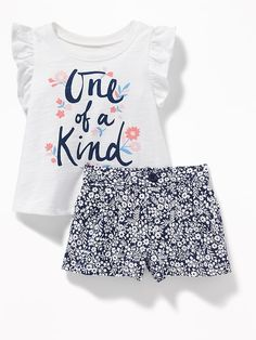 Slub-Knit Graphic Tee & Printed Shorts Set for Baby Stylish Baby Clothes, Girls Fashion Clothes, Cute Baby Clothes, Baby Girl Fashion, Toddler Fashion, Kids Fashion, Newborn Girl Dresses, Baby Dress, Little Girl Outfits