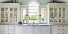 The Problem With All-White Kitchens That No One Will Tell You About