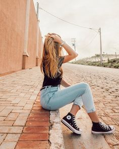Try to made a new wordl😀🌍 Fashion Photography Poses, Tumblr Photography, Fashion Poses, Portrait Photography, Style Photoshoot, Photoshoot Inspiration, Poses For Photos, Photo Poses, Picture Poses