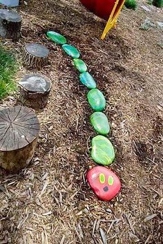 Very Hungry Caterpillar art project for butterfly garden or school garden! Each child can paint a part of the very hungry caterpillar! Caterpillar Art, Very Hungry Caterpillar, Diy Horta, Garden Projects, Art Projects, Sensory Garden, Garden Markers, Outdoor Classroom, Pebble Art