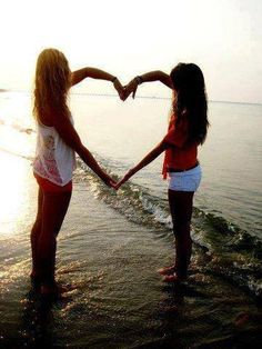 Arm heart. this is so cute...i want to do this with my best friend, except w/out the ocean... sorry, I don't live in that kind of place:(