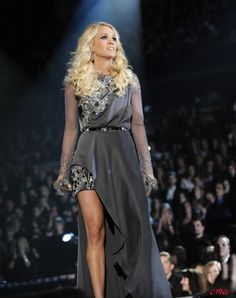 Carrie Underwood Long Curly Hairstyles | Full Dose