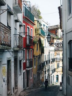 17 Places To Go In Lisbon, Portugal: Travel Guide #portugaltravel