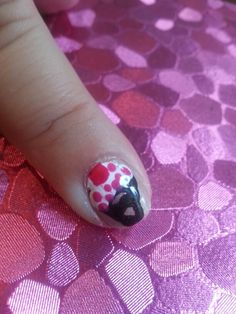 Day 13 in 31 Days of Summer Nail Art