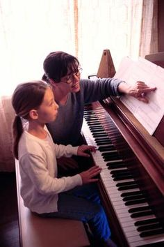 How to start home business teaching piano lessons.