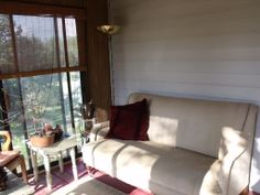 Enjoy the evenings on your screened in porch.....