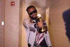 """C4 Pedro ganha troféu de """"Melhor Artista Masculino da África Central de 2016"""" nos EUA https://angorussia.com/cultura/musica/c4-pedro-ganha-trofeu-melhor-artista-masculino-da-africa-central-2016-nos-eua/"""