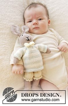 """Knitted DROPS bunny with pants, pullover and bow tie from """"Baby Merino"""" ~ DR . : Knitted DROPS bunny with pants, pullover and bow tie from """"Baby Merino"""" ~ DROPS design Baby Knitting Patterns, Knitting For Kids, Free Knitting, Knitted Dolls, Crochet Toys, Crochet Baby, Drops Design, Knitting Supplies, Knitting Projects"""