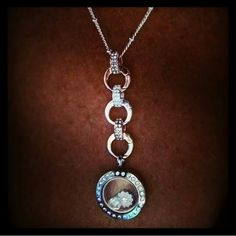 I absolutely love this look! Don't you?!  www.SharonMelone.OrigamiOwl.com  Email Me: SharonMelone930@gmail.com