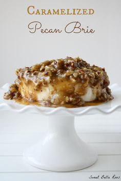 Caramelized Pecan Brie- the perfect appetizer and sweet alternative to a traditional cheeseball. Serve with sweet butter crackers, apple slices, or graham crackers Brie Appetizer, Finger Food Appetizers, Yummy Appetizers, Appetizers For Party, Appetizer Recipes, Burger Recipes, Fromage Cheese, The Best, Cooking Recipes