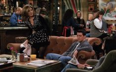 Rachel Green Style, Joey Tribbiani, Friend Outfits, Season 2, Cheerleading, Growing Up, Tv Shows, Ford, Celebs