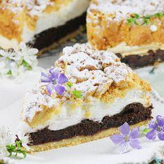 Pleśniak to proste i pyszne ciasto. Przepis jest sprawdzony i bardzo stary. Moje ciasto pleśniak składa się wyłącznie z niezbędnych składników a do tego jest niezwykle proste do upieczenia. Zapraszam. Sweet Pie, Sweet Tarts, Easter Dinner, Macarons, Baking Recipes, Cupcake Cakes, Cupcakes, Cheesecake, Muffin