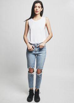 Melrose High Rise Girlfriend Jean | NYLON SHOP
