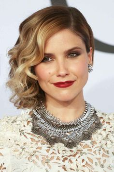 With her side curls, heavy blush, and moody eye makeup, Sophia Bush looked like she just waltzed right out of a Victorian portrait.