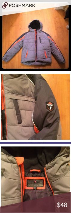 Winter jacket Winter jacket , hood with lining, working zipper, 3 pockets, no stains or holes, excellent condition, size said 18-20, but it fits more like 14-16, especially if sweater under Jackets & Coats Puffers