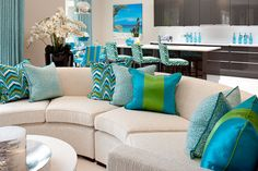 South Beach themed kitchen and breakfast room © Hill House Interiors