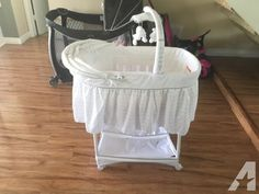 Baby Bassinet for Sale in Canoga Park, California Classified | AmericanListed.com