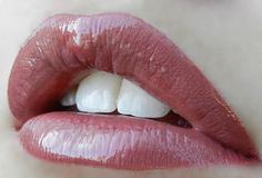 2 layers First Love #LipSense, 1 layer Caramel Apple LipSense, Topped with Rose Gloss