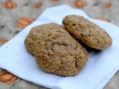 Fall baking: Soft pumpkin cinnamon chip cookies #pumpkin #fallrecipe #fall #cookies #cinnamon #libbys