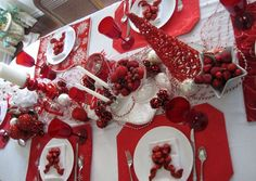 Red Christmas Tablescape
