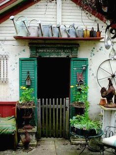 Cabane de jardin ;