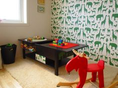 Storage / playtable: clever Ikea hack
