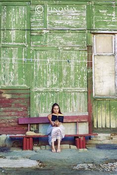 reading book_color by finomax, via Flickr