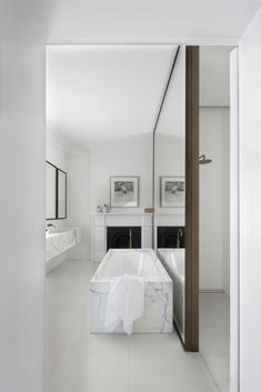 miroir séparation /Smart Design Studio - Orama Residence - Photo by Sharrin Rees