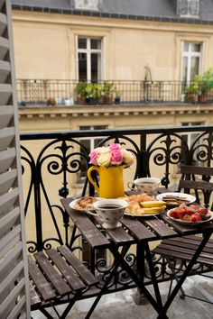 24 Ideas For Apartment Balcony Paris Terraces Garden Garden apartment garden arrangement garden equipment garden fence Garden ideas Garden small