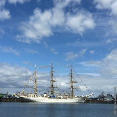 The Gorch Fock, a well-travelled training ship and a star attraction at international sailing events, is as much part of the cityscape as the huge ferries docked at Skandinavienkai (Scandinavia quay).
