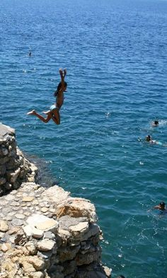 Beaches and diving fun in Paralio Astros - Kinouria, Arcadia, Greece Arcadia Greece, Places Around The World, Around The Worlds, Corinth Canal, Travel And Tourism, Its A Wonderful Life, Travel Goals, Greece Travel, Capital City