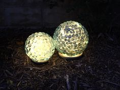These art pieces for your garden are lovely, try them out now!