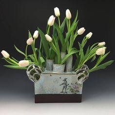 Tulipiere  Clara Lanyi Ceramics