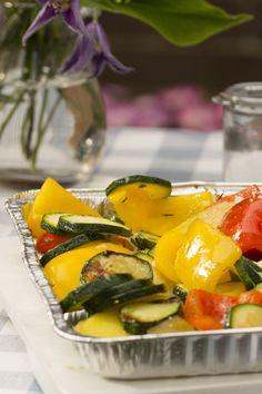 Vegetarisch Grillen: Gegrilltes Gemüse mit Paprika, Zucchini, Kartoffeln und Zwiebeln