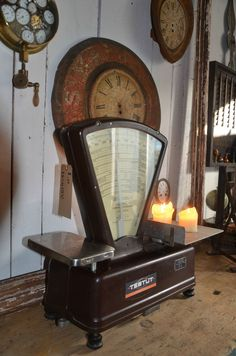 "Vintage scale ""Testut"" famous French brand. To display candles is a great idea! #LaBoutiqueVintage"