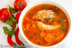 CIORBA DE PUI CU ROSII | Diva in bucatarie Romanian Food, Thai Red Curry, Meals, Ethnic Recipes, Soups, Meal, Food, Lunches, Nutrition