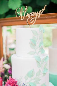 Foliage Flower Cake Gold Topper Fine Art Bohemian Luxe Wedding Ideas http://jessicadaviesphotography.co.uk/