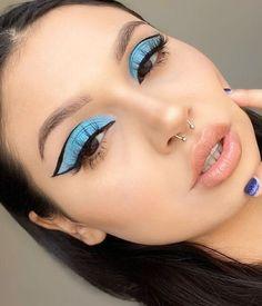 Edgy Makeup, Makeup Eye Looks, Eye Makeup Art, No Eyeliner Makeup, Eyeliner Ideas, Pretty Eye Makeup, Face Paint Makeup, Eyeshadow Ideas, Fun Makeup