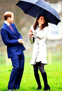 The Duke and Duchess of Cambridge. They look so fun! {Kate Middleton, Duchess of Cambridge, Duchess Catherine, Prince William} Kate! Princess Kate, Princess Charlotte, Duchess Kate, Duke And Duchess, Duchess Of Cambridge, Estilo Kate Middleton, Kate Middleton Style, Kate Middleton Birthday, William Y Kate
