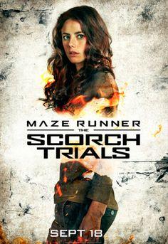 Kaya Scodelario como Teresa en el corredor del laberinto las pruebas