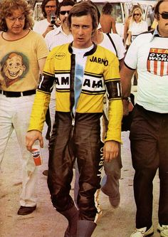 The whole history of motorcycling in pics, until the Moto GP arrival. Motorcycle Racers, Motorcycle Men, Japanese Motorcycle, Moto Bike, Classic Motorcycle, Old School Motorcycles, Racing Motorcycles, Cafe Racing, Road Racing