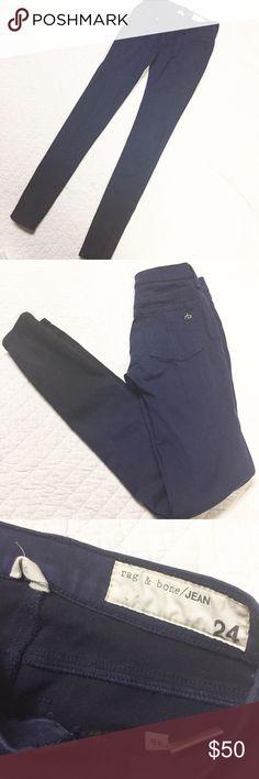 Rag & Bone Blue Ombre Legging Jean 24 x 30 Rag & Bone Jeans. Legging style. Size 24. Inseam 30 inches. Blue upper Ombre to black at ankles. 60% cotton 35% modal 5% polyurethane. Has stretch. rag & bone Jeans Skinny