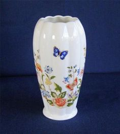 Aynsley Cottage Garden English Floral Butterflies Bone China Scalloped Bud Vase