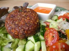 "Rajčinový ""tatarský biftek"" s paprikovým dipom zdroj: www.najimseazhubnu.cz Grain Free, Dairy Free, Gluten Free, Salmon Burgers, Baked Potato, Steak, Beef, Vegan, Healthy"