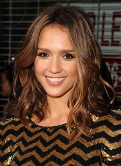 Jessica Alba's Medium Wavy Hairstyle - love everything, color, length, style!