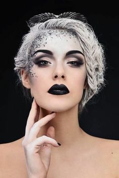 Makeup - Maquillage/ Make-up Range Beauty Make-up, Dark Beauty, Gothic Beauty, Sparkle Makeup, Glitter Makeup, Glitter Dress, Glitter Hair, Snow Makeup, Glitter Eyebrows