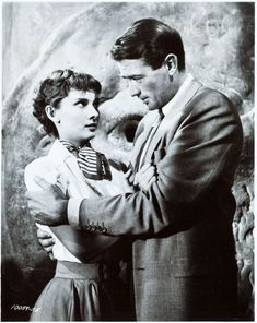 Written by John Dighton and Dalton Trumbo, Roman Holiday is a 1953 American romantic comedy film directed and produced by William Wyler. Audrey Hepburn Roman Holiday, Mom Quotes From Daughter, William Wyler, Funny Kid Memes, Funny Quotes, Super Funny Pictures, Funny Shirts Women, Cinema, Comedy Films