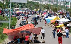 Se levantan bloqueos en Chiapas; continúa el paro magisterial http://noticiasdechiapas.com.mx/nota.php?id=86736 …