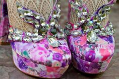 Bling Butterfly Dress Shoes - Love It So Much Shoes Heels Boots, Dress Shoes, Sunday Clothes, Barbie Shoes, Queen Dress, Butterfly Dress, Floral Fashion, Fashion Details, Runway Fashion