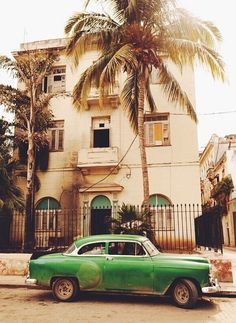 Street scene in Havana. Photo courtesy of marcauxvisual on Instagram.